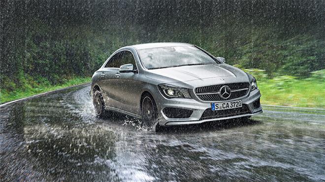 濡れた路面も、意のままにスムーズ。