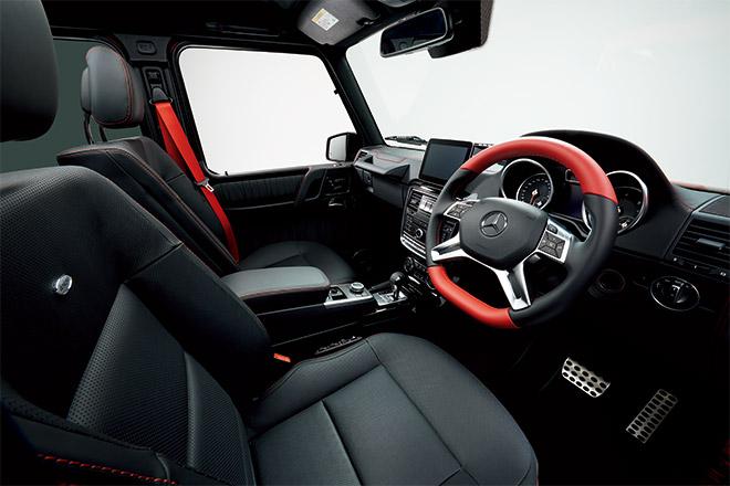 G 350 d designo manufaktur Editionの内装は、レッドのアクセント