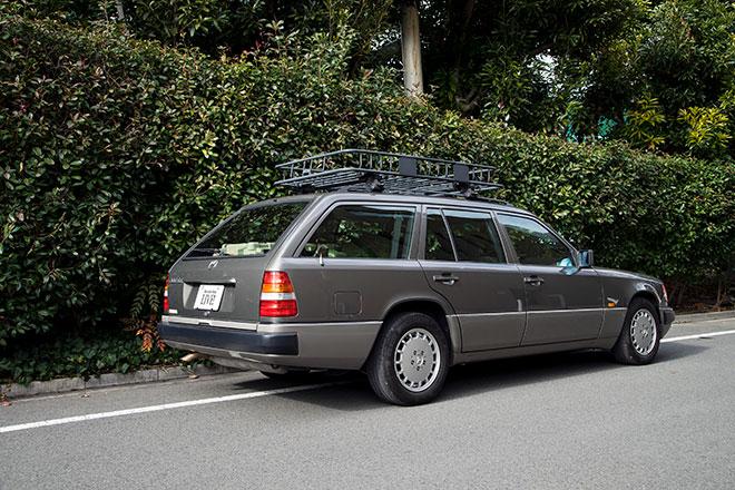 大野高広さんが所有しているメルセデスは1994年製のEクラス