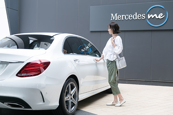 最新モデルを展示しているMercedes me Tokyoは、クルマを売らないショールーム。