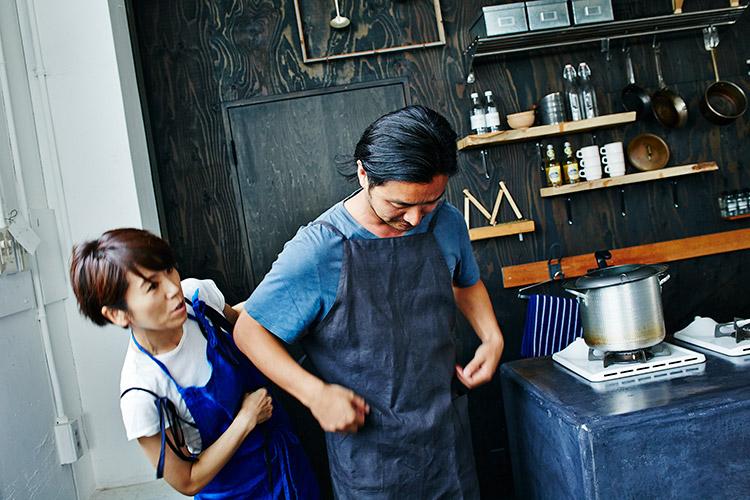 料理を教えてくれるのは、人気料理研究家のワタナベマキさん