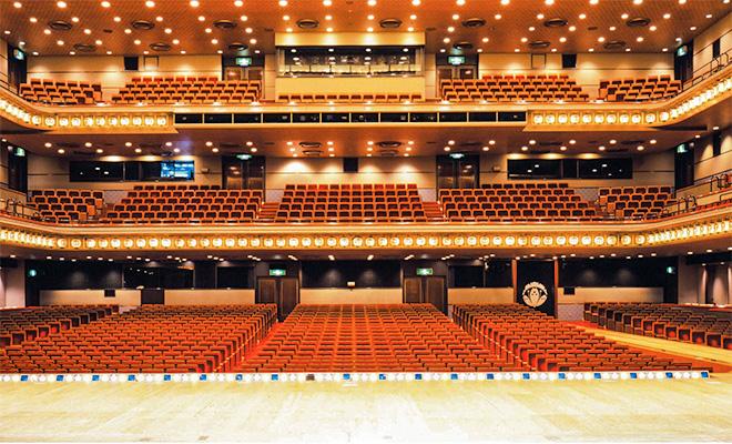 東京・銀座の新橋演舞場