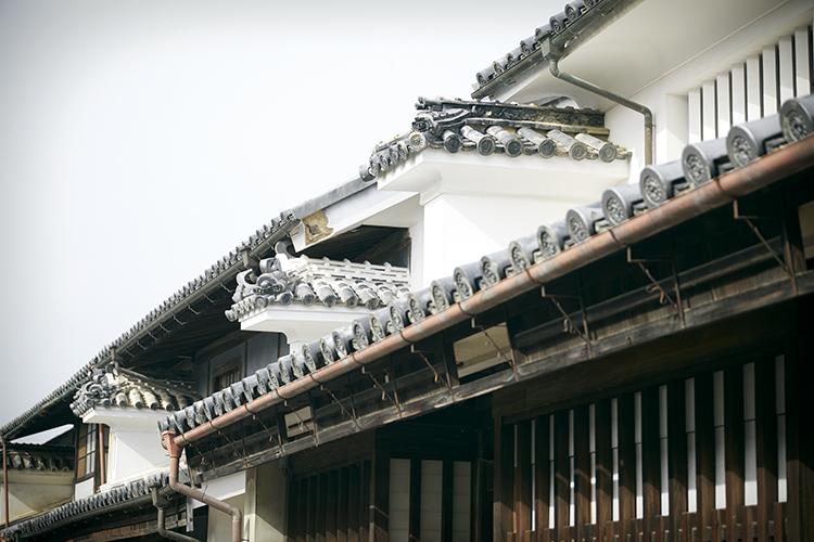 江戸時代から残る、歴史的建築物のある町並みへ