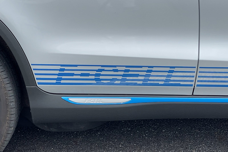 GLC F-Cell試乗レポート。燃料電池×バッテリーならではの走りとは