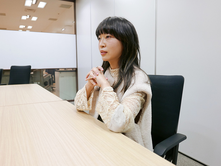 ヒグチアイ/Ai Higuchi