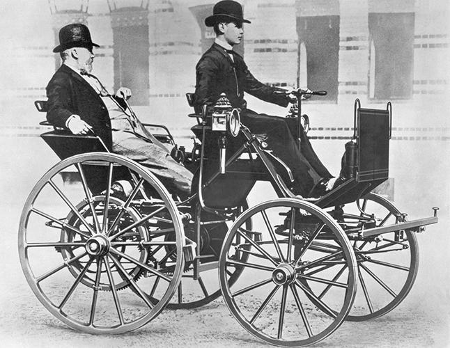世界初の四輪自動車「ダイムラー・モトールキャリッジ」